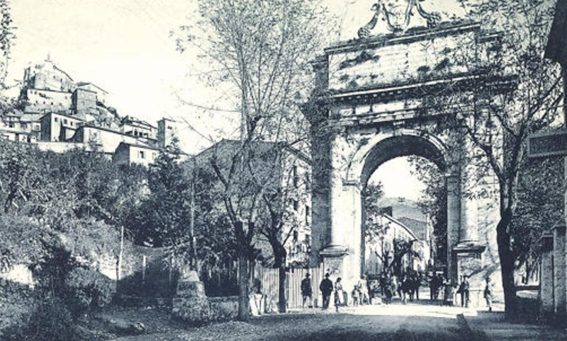 subiaco arco trionfale storica